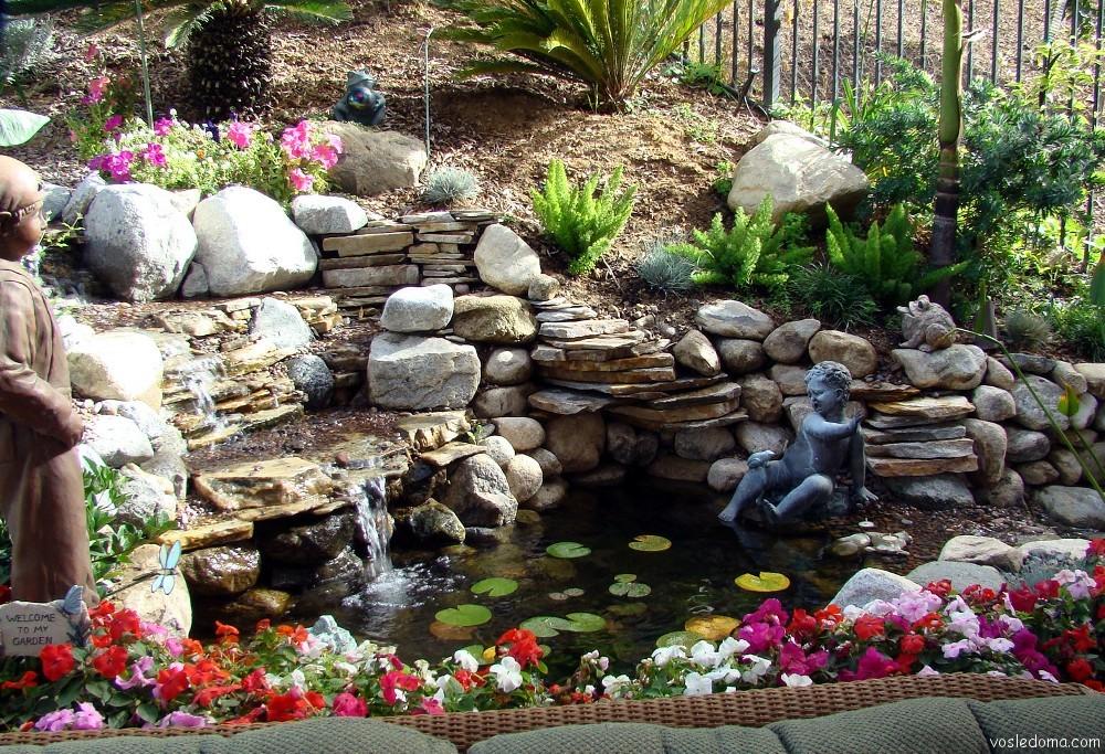 Декоративные фонтанчики для сада своими руками