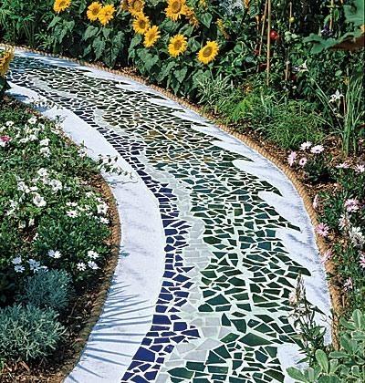 Декорирование загородного участка садовыми скульптурами