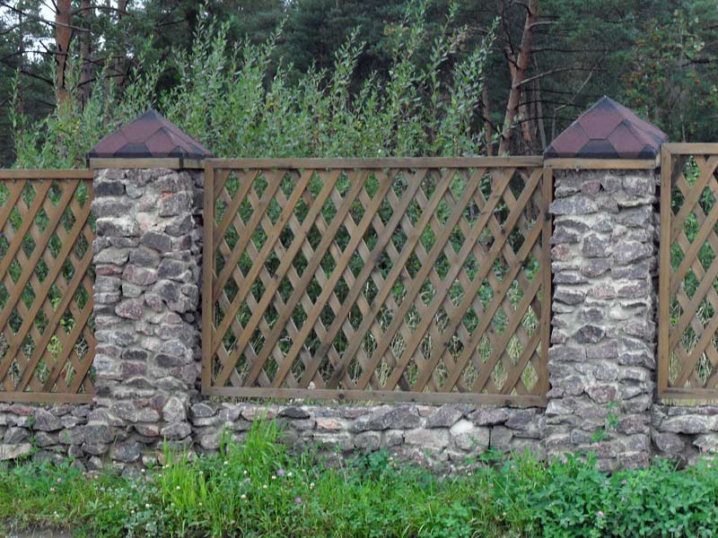 Недорогой забор на даче своими руками фото