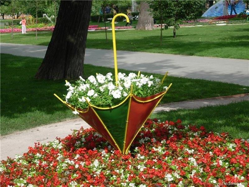 Клумба для цветов необычная