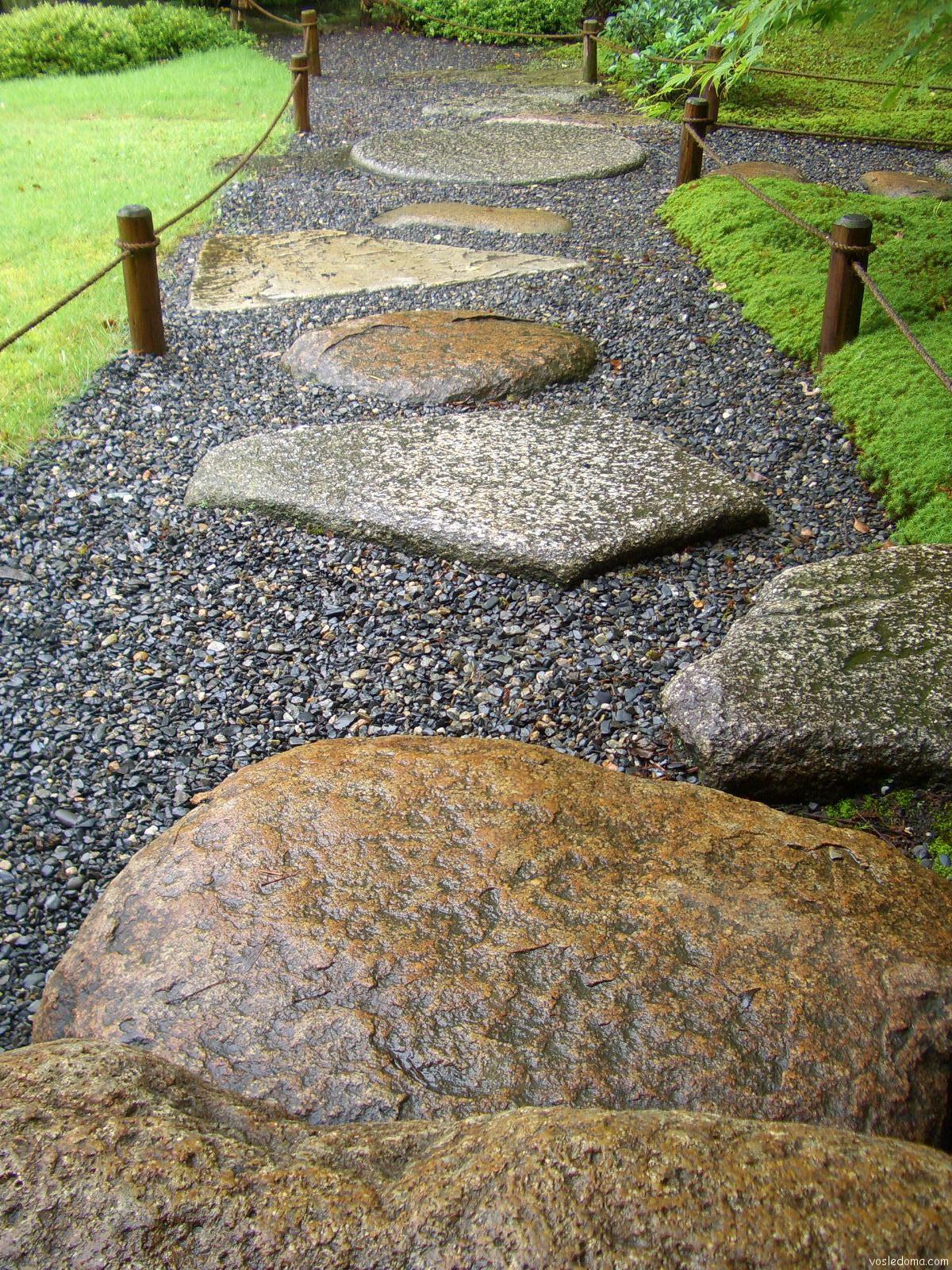 Дорожки из камня на даче своими руками фото