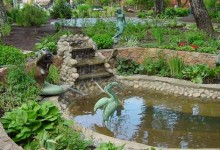 11-garden-figures