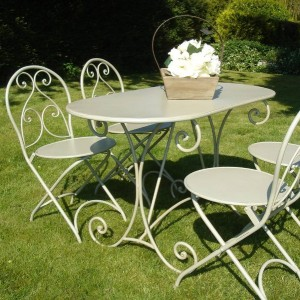 12-garden-furniture