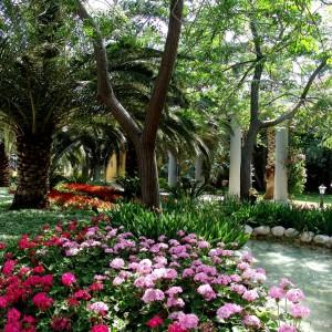 15-flowerbed