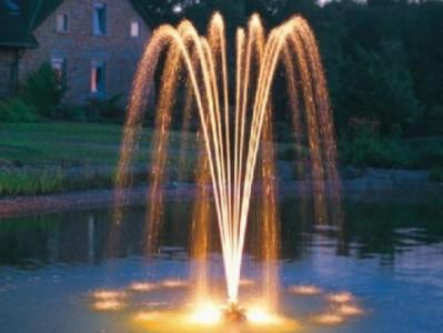 16-sadovuy-fontan-svoimi-rykami
