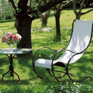 22-garden-furniture