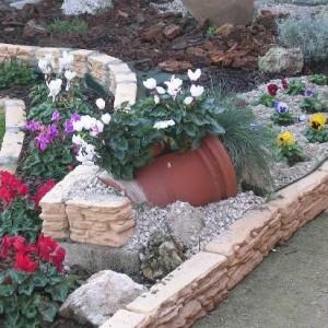 25-flowerbed