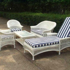 30-garden-furniture