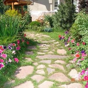 37-garden-path