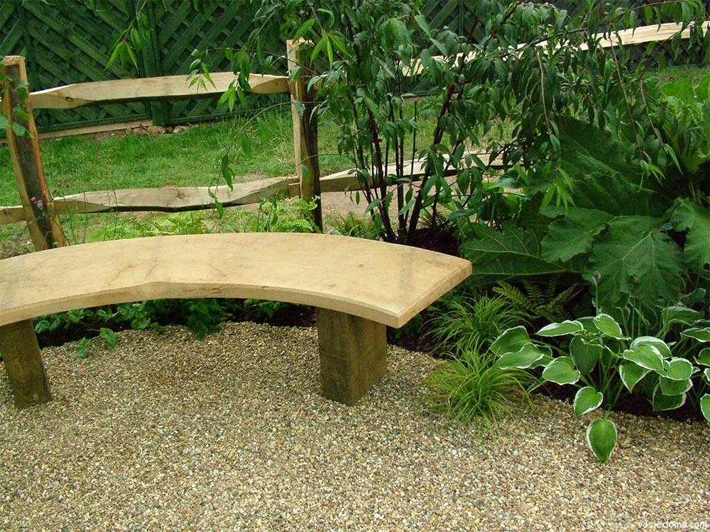 Как сделать в саду столик и лавочки