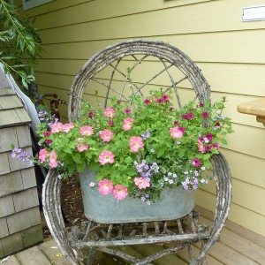 flowers-on-chairs-decorating5
