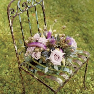 flowers-on-chairs-decorating6