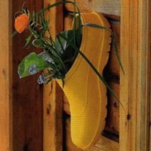 shoes-container-garden1-9