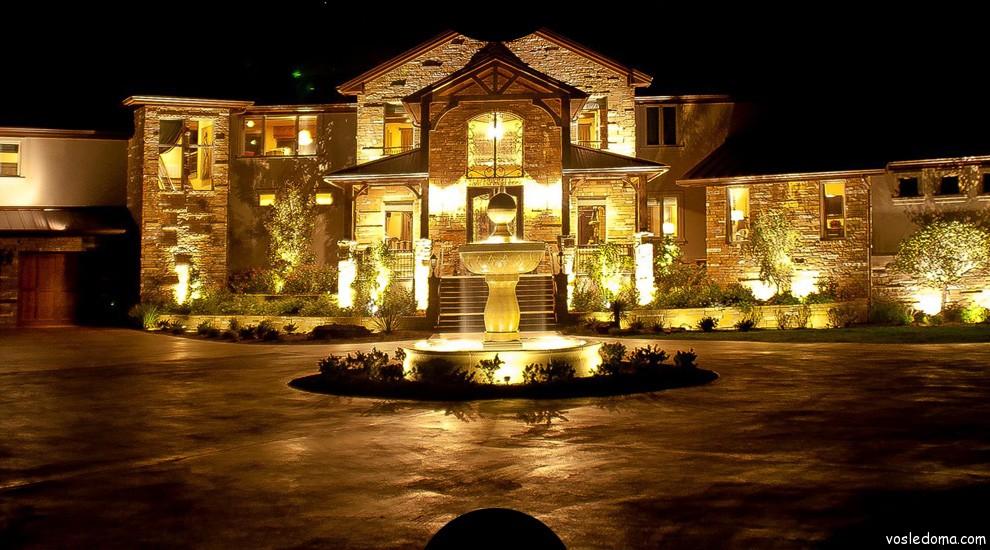 Подсветка загородного дома фото