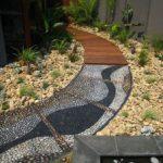 Оригинальные и экономные варианты покрытия садовых дорожек