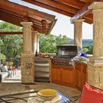 Кухня на свежем воздухе – хороший вариант увеличения полезной площади дачи