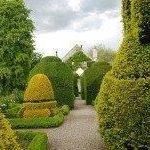 Сад Левенс Холл — пример регулярного стиля в ландшафтном дизайне