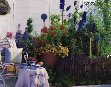 Оформление клумб и цветников