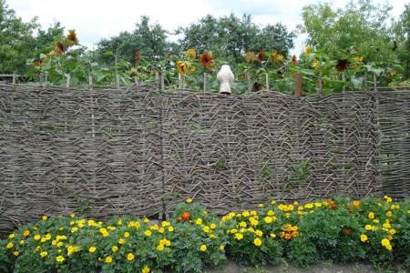 Создаем плетень своими руками