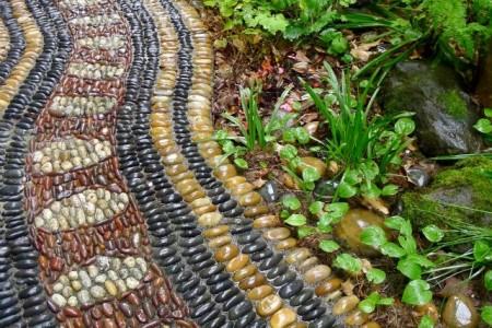 Создаем мозаичный декор своими руками используя гальку и керамическую плитку