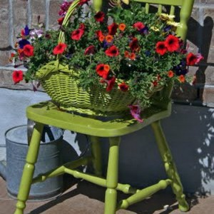 flowers-on-chairs-decorating8