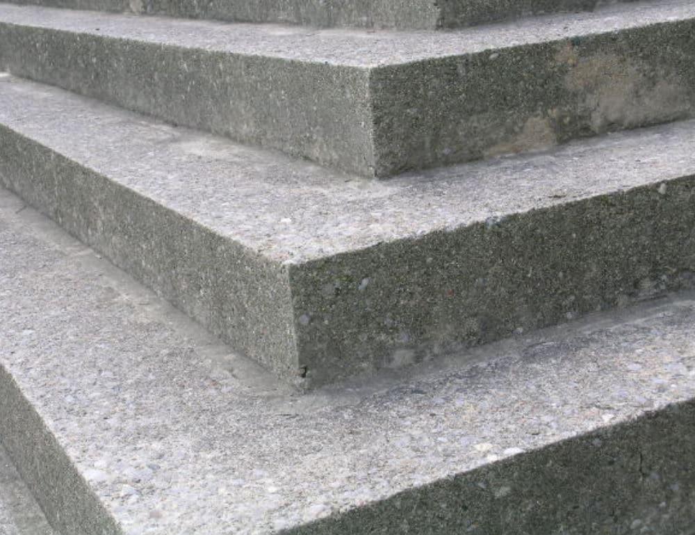 гранитные ступеньки